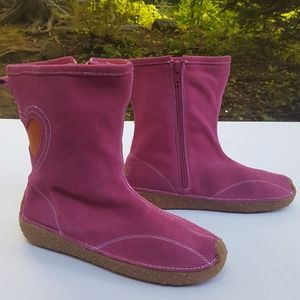 Morgan & Milo hot pink suede heart ankle boots